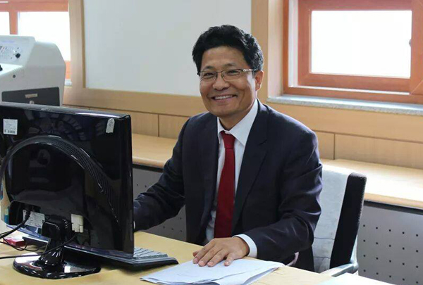 한양대 법학전문대학원 겸임교수인 김정범 변호사