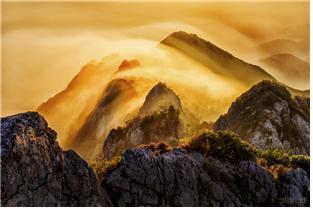 사진=운해넘는 가야산(서울남부구치소 제공)